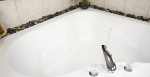 Clean fiberglass bathtub