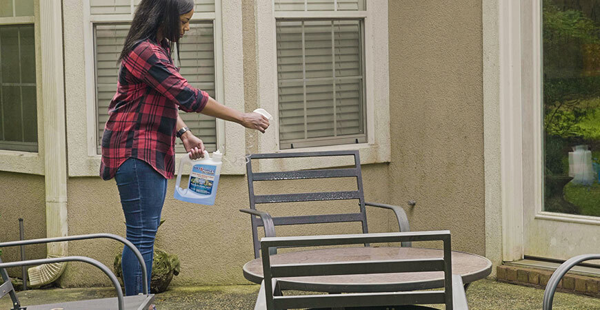 Apply Wet & Forget Ready-to-Use on Outdoor Furniture!