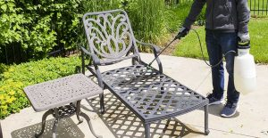 Outdoor metal furniture cleaner