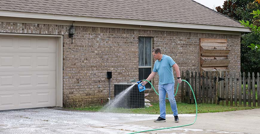 Clean your driveway with Wet & Forget