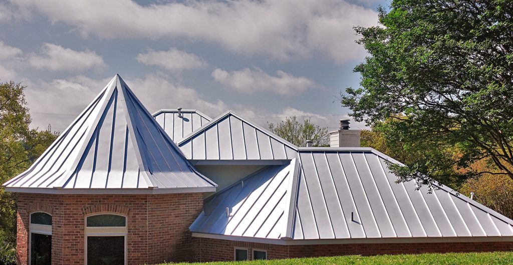 How to Clean and Maintain a Metal Roof